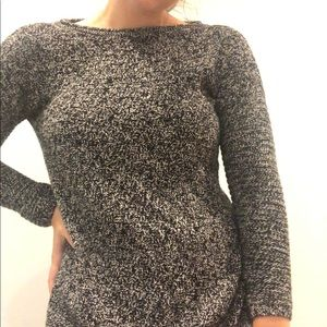 Vine Camuto sweater